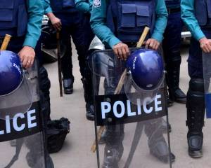 Bangladesh: Authorities must conduct investigations into death of protesters