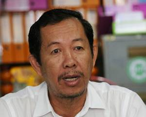 Cambodia: A year on, the persecution of human rights defender Rong Chhun and other activists continue