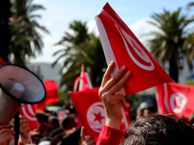 Tunisia: release LGBTQI+ activist Rania Amdouni and stop violence against peaceful protesters