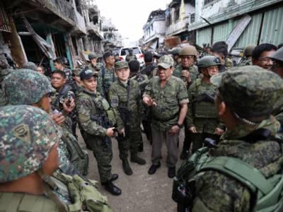 Philippines: Halt judicial harassment and investigate killing of activists