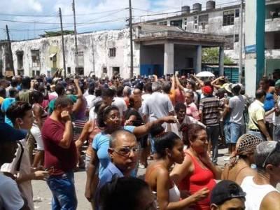 CUBA: 'Los disidentes son millones; no hay calabozos para tanta gente'