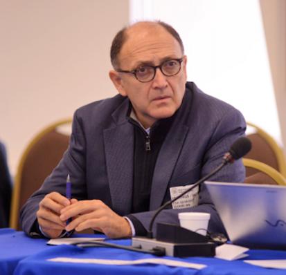 'La sociedad civil trabaja por una democracia no solo más representativa sino también más participativa'